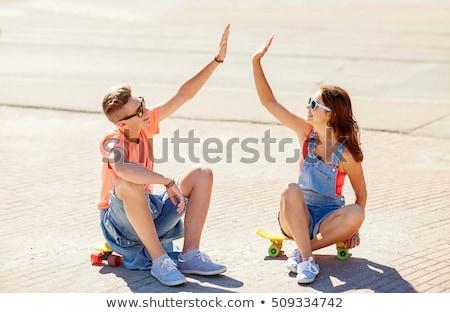 tinilányok · készít · pacsi · barátság · szabadidő · emberek - stock fotó © dolgachov