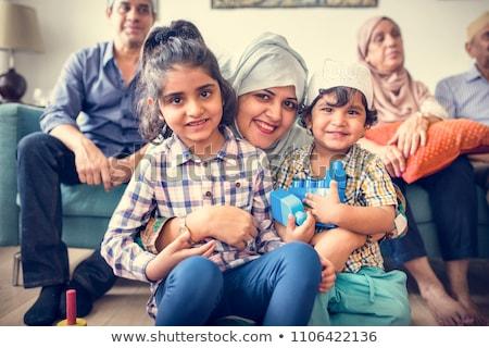 Glücklich muslim Familie zu Hause Frau Familie Kinder Stock foto © artisticco