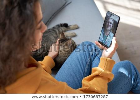 Photo stock: Adolescent · téléphone · portable · conversation · portrait · heureux
