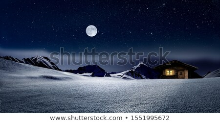 Hut klein huis rood licht venster winter Stockfoto © Onyshchenko