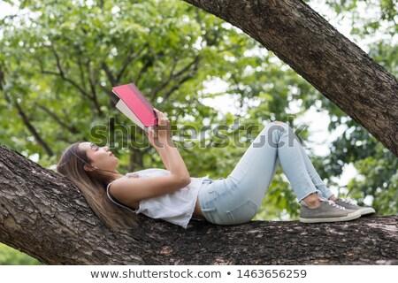 アジア 女性 木の幹 小さな リラックス 熱帯 ストックフォト © smithore