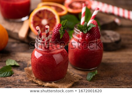 fraise · smoothie · vieux · fruits · verre · fond - photo stock © yatsenko