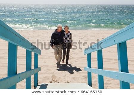 Pareja · caminando · playa · caucásico · otro - foto stock © is2