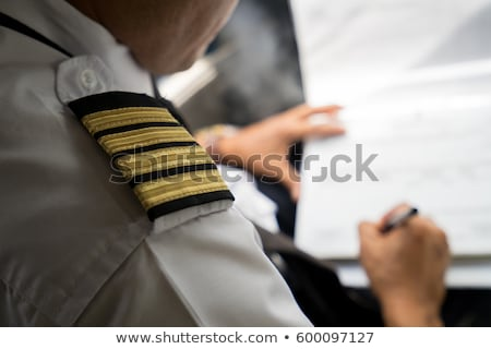 Masculino piloto cabine do piloto trabalhando europa Foto stock © IS2