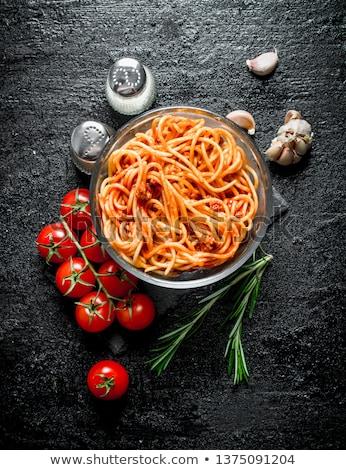 placa · frescos · espaguetis · tomates · pesto · grasa - foto stock © melnyk