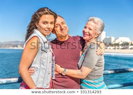 jong · meisje · ouders · strand · zomer · kid · jonge - stockfoto © deandrobot