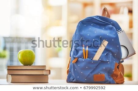 manzana · libros · educación · volver · a · la · escuela · alimentos - foto stock © choreograph