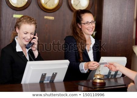 Kettő fiatal cégvezetők érkezik hotel portré Stock fotó © nenetus