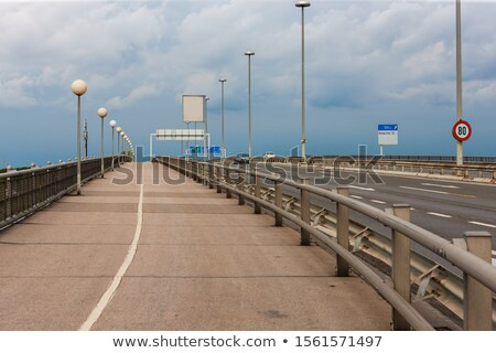 voetganger · teken · geïsoleerd · witte · symbool - stockfoto © meinzahn