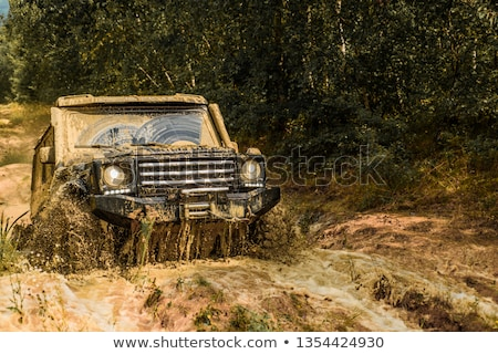 Foto stock: Jeep In Mud