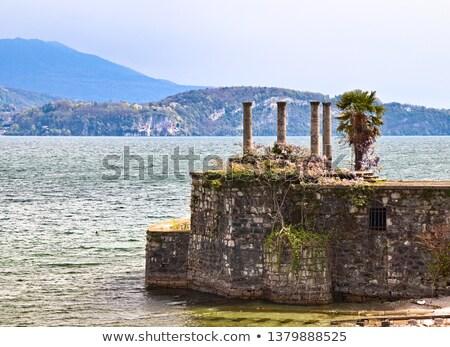 starych · kamień · obok · jezioro - zdjęcia stock © chrisga