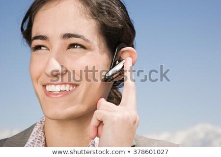 Foto d'archivio: Donna · d'affari · telefono · bluetooth · auricolare · sorridere · adulto