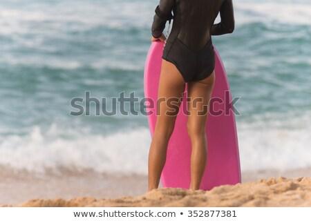 Foto d'archivio: Femminile · surfer · spiaggia · guardare · surf · attesa