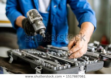Maturité technicien une fer Photo stock © pressmaster