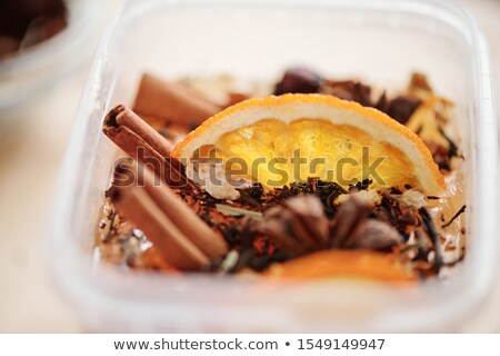 świeże pomarańczowy plasterka cynamonu wyschnięcia przyprawy płynnych Zdjęcia stock © pressmaster