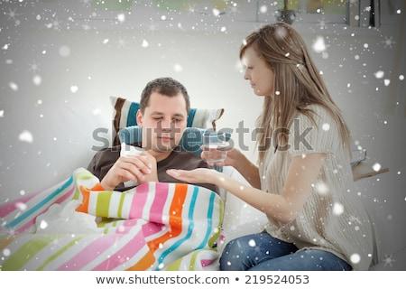 Mujer toma atención marido casa agua Foto stock © wavebreak_media