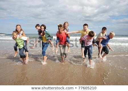 играет · песок · мало · мальчика · отец · воды - Сток-фото © monkey_business