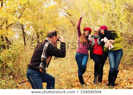 famiglia · figlio · di · padre · parco · fotocamera · digitale · donna · felice - foto d'archivio © paha_l