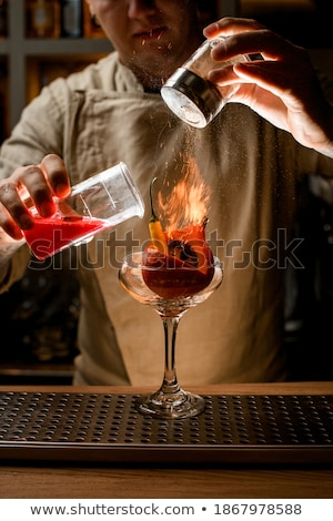 fiatalember · zsonglőrködés · bors · izolált · fehér · étel - stock fotó © photography33