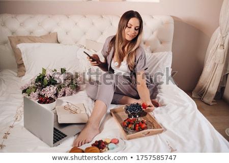 девушки кровать девочку родителей лице Сток-фото © taden