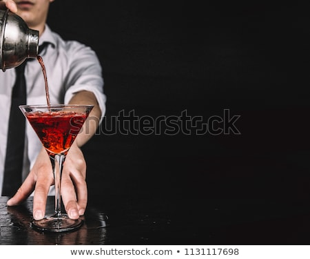 Kozmopolit siyah meyve bar kokteyl limon Stok fotoğraf © elvinstar