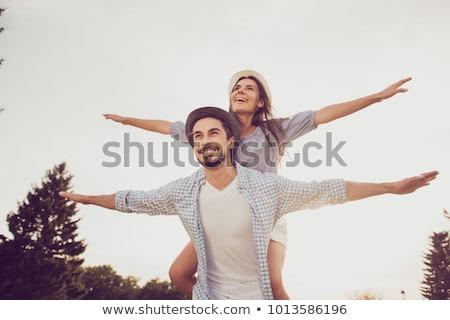 Meisje paardrijden op de rug jonge vrouw familie Stockfoto © soupstock