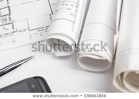 senior · empresário · jovem · arquiteto · trabalhando · escritório - foto stock © dolgachov