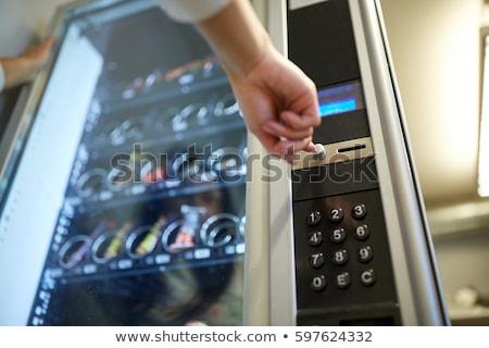 Hand voortvarend knop automaat verkopen technologie Stockfoto © dolgachov
