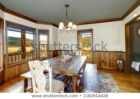 Tradicional sala de jantar madeira metade paredes piso de madeira Foto stock © iriana88w