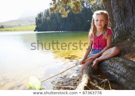 Cute dziewczyna jezioro wody rodziny Zdjęcia stock © Lopolo
