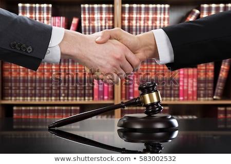 Afbeelding handen mannelijke advocaat rechter cliënt Stockfoto © Freedomz
