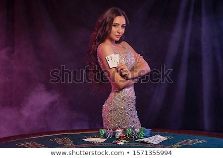 mulher · jovem · jogar · pôquer · cartões · batatas · fritas · bastante - foto stock © val_th