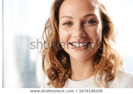 クローズアップ 幸せ 笑みを浮かべて 小さな ブロンド 女性 ストックフォト © avdveen