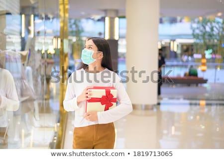Kellemes vásárlás portré csinos nő választ meleg Stock fotó © pressmaster