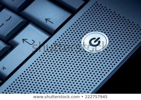 クローズアップ · 銀 · コンピュータ · ノートパソコン · 選択フォーカス · ボタン - ストックフォト © keneaster1