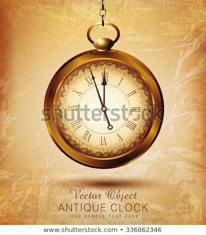 Foto d'archivio: Old Pocket Watch Rusty Gear