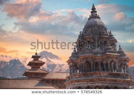 kare · Nepal · tapınak · çatılar · tüy · kuşlar - stok fotoğraf © mariusz_prusaczyk