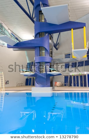 Duiken kant blauwe hemel sport zwembad Stockfoto © jordanrusev