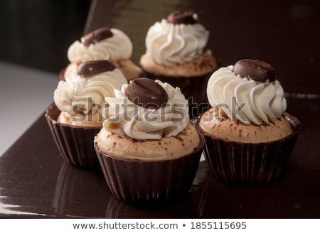 chocolade · icing · geserveerd · weefsel - stockfoto © dariazu