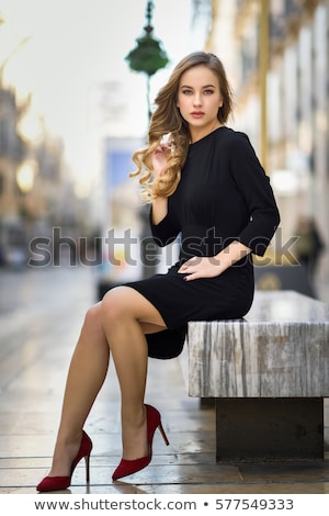 High fashion portret młodych elegancki kobieta dziewczyna Zdjęcia stock © arturkurjan