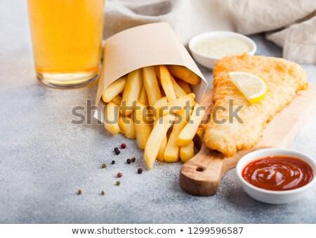 tradicional · britânico · peixe · batatas · fritas · molho · vidro - foto stock © DenisMArt