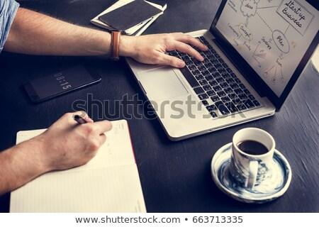 3D · blanke · man · werken · laptop · tabel · witte - stockfoto © wavebreak_media