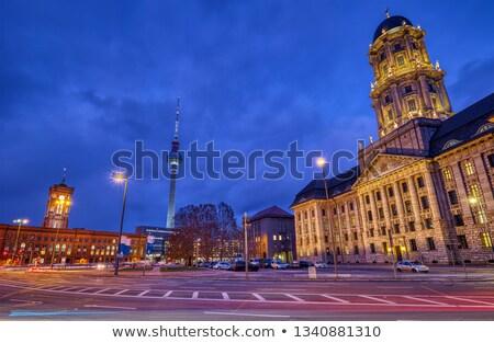 Berlim prefeitura televisão torre noite céu Foto stock © elxeneize