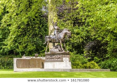 Caballería parque magnífico estatua Londres espada Foto stock © chrisdorney