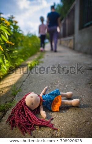 старые · заброшенный · ребенка · кукла · голову · из - Сток-фото © michaklootwijk