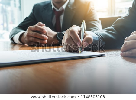 firma · contratto · primo · piano · accordo · donna · mano - foto d'archivio © jordanrusev