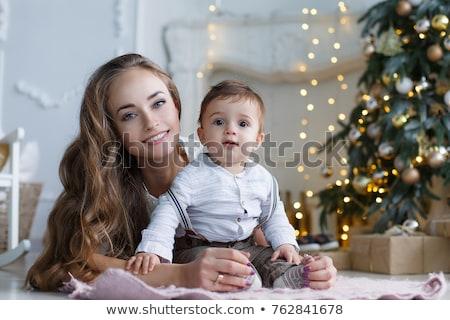 Noel · aile · portre · ev · tatil · oturma · odası · dekore · edilmiş - stok fotoğraf © galitskaya