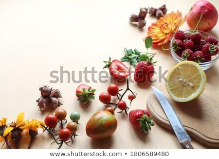 Taze olgun kırmızı domates yeşil organik Stok fotoğraf © Anneleven