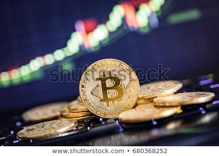 Złoty bitcoin monety faktyczny ceny finansowych Zdjęcia stock © JanPietruszka