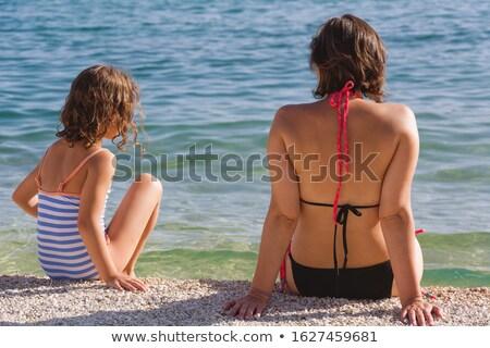 Aanbiddelijk brunette goede tijd vakantie meisje Stockfoto © konradbak
